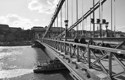 Онлайн-экскурсия «Дунайские волны и мосты Будапешта»