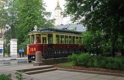 Цикл экскурсий «Литературные бульвары» от компании «Азбука Москвы»