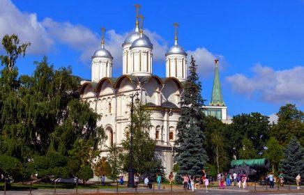 Патриарший дворец и собор Двенадцати апостолов Московского Кремля
