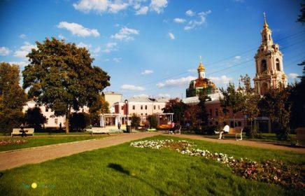 Сад им. Баумана — зеленый оазис в центре Москвы