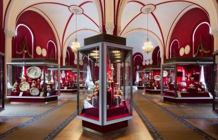 Экспозиция «Западноевропейское художественное серебро XIII–XIX веков» в Оружейной палате Кремля
